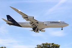 Lufthansa (So Cal Metro) Tags: airline airliner airplane aircraft aviation airport plane jet lax losangeles la lufthansa 747 7478 boeing 748 dabya jumbojet