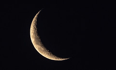 I saw the crescent.. (dmunro100) Tags: moon new crescent waxing adelaide south australia southaustralia