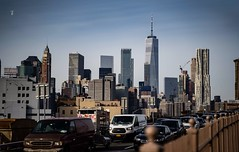 This is New York, the hustle and bustle... Everyone doing their own thing... (cesar.toribio1218) Tags: newyork citylife buildings brooklyn brooklynbridge thebigapple