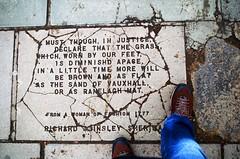 Quote (Atreides59) Tags: londres london histoire history street england angleterre urban urbain pentax k30 k 30 pentaxart foot feet pied pieds atreides atreides59 cedriclafrance