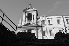 Catania (carmeloserrano#1) Tags: italia italy sicilia sicily catania bianco nero black white bn bw monocromo monochrome chiesa church canon eos stm dpp carmelo serrano carmeloserrano