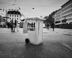 Poubelle prête! (Jtofs85) Tags: carnaval bienne biel sony sonyalpha 20mm a99m2 fullframe bern switzerland blackandwhite bw street wide grandangle swiss suisse confetis sonyflickraward