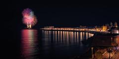 Fuegos artificiales Cádiz (Antonio J. Seco) Tags: cádiz largaexposición nocturna