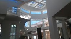 (sftrajan) Tags: architecture richardmeier gettycenter losangeles california museum jpaulgettymuseum atrium skylight arquitectura architektur architettura musée 2019 staircase escalera escalier