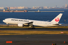 Japan Airlines Boeing 777-289 JA007D (Mark Harris photography) Tags: spotting jal boeing 777 hnd japan canon 5d aviation plane