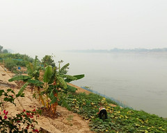 Smoky morning on the Mekong 4 (SierraSunrise) Tags: air esarn isaan mekong mekongriver nongkhai phonphisai pollution rivers smoke thailand