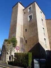 Bayonne, Pyrénées-Atlantiques (Marie-Hélène Cingal) Tags: france bayonne aquitaine nouvelleaquitaine labourd pyrénéesatlantiques 64 towerstorritorrestourstürme