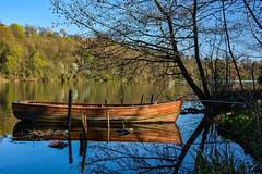 Riflessi (biom73) Tags: fiume acqua water nikon beautiful boat river italy landscape