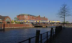 Die Oberhafenbrücke (Klaus Z.) Tags: eisenbahn kbs 120 hamburg oberhafenbrücke personenzug dostos metronom br 146 fruchthof frühling