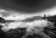 Washing Day (yann2649) Tags: ploumanach sea seascape out outside brittany france bretagne wave noiretblanc blackandwhite lighthouse phare côtes darmor