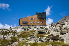 In cima (piper969) Tags: rifugio refugee hutte montagna mountain alpi italy italia sudtirol altoadige valleaurina rifugiopontedighiaccio