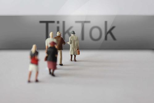 TikTok-vor-Menschen