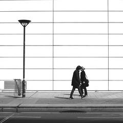 Face-to-face (pascalcolin1) Tags: paris13 femmes women head tête face mur wall lampadaire lamppost croisement crossing photoderue streetview urbanarte noiretblanc blackandwhite photopascalcolin 50mm canon50mm canon