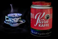 Kärn-Kaffe (MagnusBengtsson) Tags: fotosondag reklambild stilleben stilllife stillife advertising retro old kaffe coffee fs190120