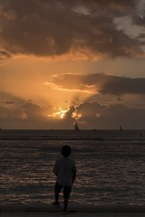 Sunset 2-9-2019 (Fletch in HI) Tags: nikon d5600 tamron 16300 sunset clouds water waikiki honolulu hawaii oahu ocean boats sky