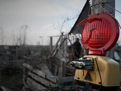 - red light when danger - (-wendenlook-) Tags: colorkey minimal minimalistisch minimalistic panasonic gm1 2017 urban berlin tempelhoferfeld rot red