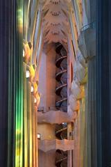 (ilConte) Tags: barcelona barcellona spagna spain españa catalunya architettura architecture architektur sagradafamilia antonigaudí chiesa church kirche colours cattedrale cathedral