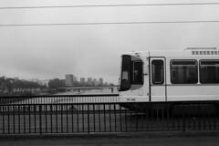 [Melkoni II] ([ Yuna ]) Tags: tram strase street strasenbahn tramway nantes naoned brittany breizh bretagne day tag jour transport verkehrsmittel bw building bâtiment gebäude wb