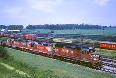 CB&Q GP30 951 (Chuck Zeiler48Q) Tags: cbq gp30 951 burlington railroad emd locomotive eola train chuckzeiler chz