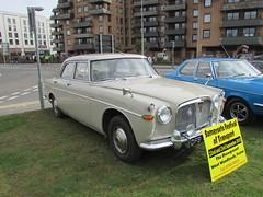 Rover 3 Litre Mk III DFB757D (Andrew 2.8i) Tags: show classic cars car mare super weston classics westonsupermare british saloon sedan 3000 30 p5 mark 3 iii mk mk3 three3litre rover