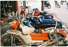 French-styled ride in Ha Noi. (Banh Fab) Tags: filmisnotdead vintage film trip35 filmisalive street streetstyle line olympustrip35 olympus serial motor motorcycle mob travel vietnam france streetphoto sun winter family old art fujicolor c200 vn hanoi asia