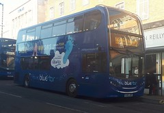 Bluestar 1569 is loading at the Hanover Buildings bus stop before leaving on route 2 to Eastleigh and Fair Oak via Portswood and Bishopstoke. - HJ63 JOH - 9th January 2019 (Aaron Rhys Knight) Tags: bluestar 1569 hj63joh 2019 hanoverbuildings southampton hampshire goahead gosouthcoast alexanderdennis enviro400