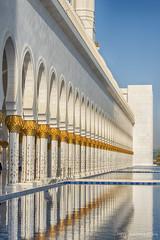 Sheikh Zayed Mosque - Sjeik Zayed moskee Abu Dhabi (schreudermja) Tags: abudhabi vae uae dubai zayed sheikhzayed sjeikzayed sheikh sjeik theyearofzayed mosque moskee grand big building architecture mirror travel unitedarabemirates verenigdearabischeemiraten جَامِعٱلشَّيْخزَايِدٱلْكَبِيْر jāmiʿashshaykhzāyidalkabīr thegrandmosque