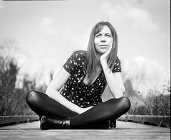 C'est long ... (Alexis Cayot) Tags: portrait epson 67 melanie pros alexis film v850 mamiya rb 6x7 sekor argentique kl hc110 127 trix 400 127mmkl dilutionb cayot analog kodak