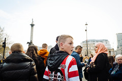 Trafalgar Square (tiago.eduardo.almeida) Tags: children people candid sports sunderland trafalgar street streetphotography fujifilm fuji tiago almeida color stare gaze fujinon red white hood hoodie london xt3 1855mm trophy football league