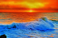 Diferente entardecer (Zéza Lemos) Tags: portugal praia pordesol puestadelsol algarve água areia sunset sol sunny surf ondas oceano natur nuvens núvens paisagens reflexos rochas reflections