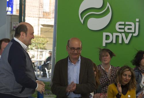 Mitina. Andoni Ortuzar, Almudena Otaola, Mikel Legarda. Laudio