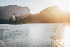 Direct Light (freyavev) Tags: slovenia slovenija lake lakebled bled water church island directlight light sunflare vsco outdoor hiking nature sunlight canon canon700d feelslovenia mikasniftyfifty