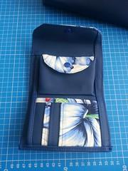 20160726_135815 (Indy Vidual) Tags: handtasche geldbörse portemonnaie geldbeutel purse wallet bag handbag blau blue flower blume funfabric pattydoo