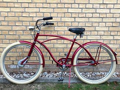 Konstructive.de-Bike-Painter-Berlin-Candy-Red-Metallic-Steel-Cruiser-Bike-Fender-Lackierung