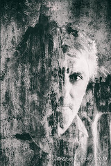Portrait en studio (landrebeatrice) Tags: portrait homme studio noiretblanc blackandwhite