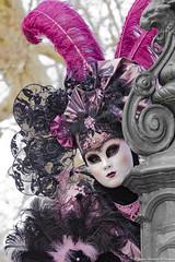 Coucou... (Elyane11) Tags: annecy auvergnerhonealpes france hautesavoie rue carnavalvénitien