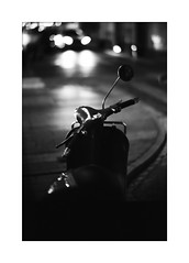 *Nights in street. (niko**) Tags: leica leicam2 noctilux50mmf10 e60 kodak tmax400 135 35mm filmphotography yokohama