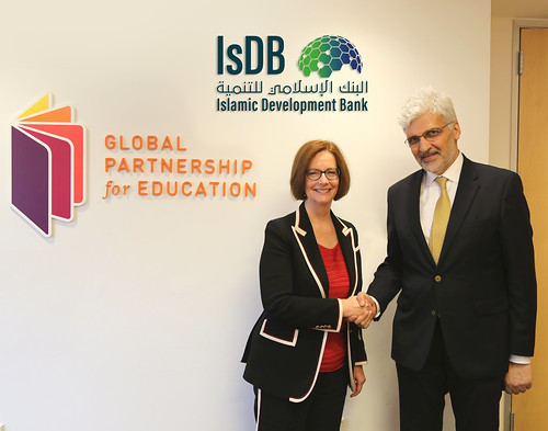Signature of Letter of Intent between GPE and the Islamic Development Bank