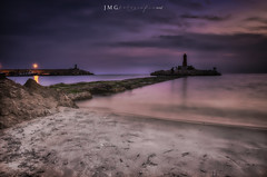 Fin (sampler1977) Tags: ocaso sunset villajoyosa coucherdusoleil roca oceano faro lighthouse phare mar ocean sand arena rocher eau watterscape seascape marina mer marinabaixa lavilajoiosa lowlight