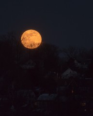 (Christopher Sheehan) Tags: newhampshire supermoon fullmoon supersnowmoon
