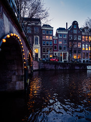 A0153122 (rpajrpaj) Tags: amsterdam city netherlands nederland nederlandvandaag bluehour thebluehour cityscape citylights