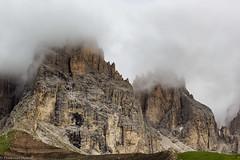 Tra le nuvole (cesco.pb) Tags: sassolungo dolomiten dolomiti dolomites alps alpi trentino italia italy canon canoneos60d tamronsp1750mmf28xrdiiivcld passosella