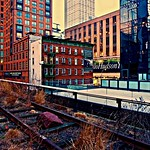 On the wrong side - High Line, New York City thumbnail