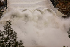 Oroville Spillway (Dan Brekke) Tags: oroville orovilledam orovillespillway featherriver statewaterproject sacramentovalley northerncalifornia dams water