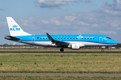KLM   PH-EXN (Airway Photography) Tags: venice marco polo vce lipz venicemarcopolovcelipz phexn embraer embraere170 embraerejet klm klmroyaldutchairlines klmembraere170 planespotting airliner aircraft aero jet jetaeroplane pilot livery aviation planespotter nikon nikond3300 d3300 airport airline flying holiday sky speed fast bluesky nikkor 5530mm aircraftphotography planephotography aeroplane spotting takeoff landing departing runway vehical outdoor jetliner airwayphotography international travel world worldtravel traveling approach amsterdam schipol amsterdamschipol amsterdamschipoleham eham ams dutch