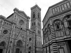 Italy, Firenze, Santa Maria del Fiore (duqueıros) Tags: italy italia italien toskana tuscany florence florenz firenze stadt city kathedrale cathedral dom cattedrale cattedralemetropolitanadisantamariadelfiore santamariadelfiore duqueiros bw sw blackwhite schwarzweiss