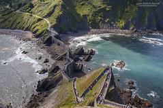 Camino hacia el trono! (Juan Antonio Aguilar) Tags: camino ruta juego de tronos san juan gaztelugatxe vascongadas sea mar naturaleza nature