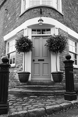 brick house (Mallybee) Tags: brick house tealby lincolnshire bw blackwhite mallybee fuji fujifilm xt100 16mm f14 prime apsc xmount bayer round corner old
