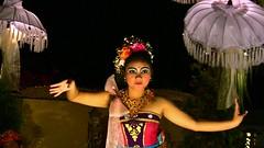INDONESIEN, Bali , balinesische Tanzdarbietung am Abend, 17955/11179 (roba66) Tags: bali urlaub reisen travel explore voyages rundreise visit tourism roba66 asien asia indonesien indonesia insel island île insulaire isla mädchen girl girls gesicht face eyes augen beautiful cute pretty hübsch nice bello lovely beauty joli people menschen tanz tänzerin tanzkunst woman frau lady musik dance schau show tanzschau dancingshow