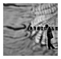 expo au palais de Tokyo (Marie Hacene) Tags: palais de tokyo paris exposition transparence noir et blanc homme silhouette